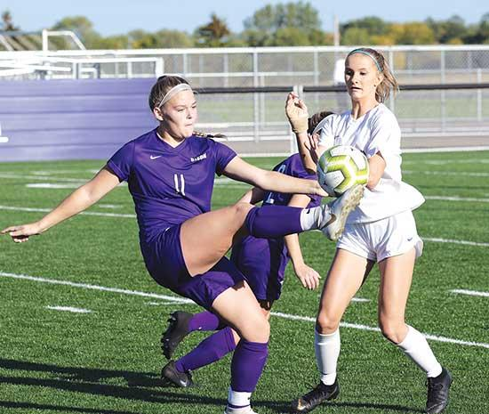 Buffalo earns second point in 2-2 draw against No. 10 ranked Trojans Differing opinions can pop up moments after two teams discuss a tie soccer game.A late goal in a 1-1 tie had the Buffalo girls' soccer team walking away from their Sept. 8 game...
