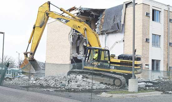 At long last, Buffalo has said goodbye to the Park Lane Apartments building on Montrose Blvd. Used for training of emergency personnel throughout 2018, demolition crews arrived on site last week to begin the tear down of the building. It was...